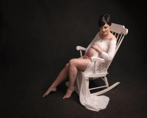 Pregnancy photography in Gloucester